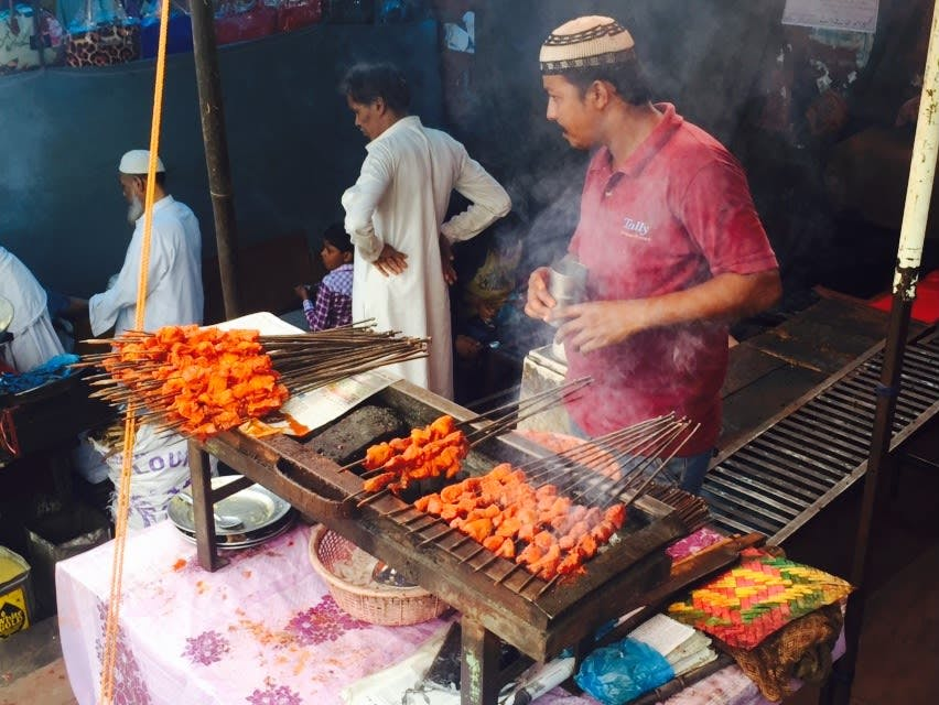 Old Delhi Walking Tour & Cooking Class: Indian Food & Culture