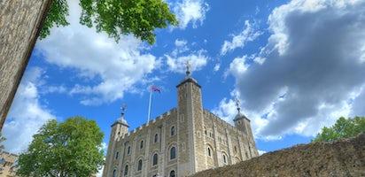 release date: 4853e a5d26 Biglietti per la Torre di Londra con Gioielli della Corona e Yeoman Warder