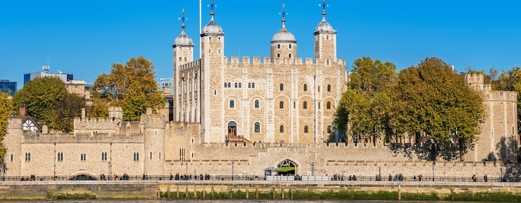 Royal London tour with skip-the-line Tower of London, river cruise and Changing of the Guard
