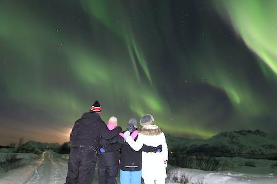 Luzes do norte mostram de Svolvaer