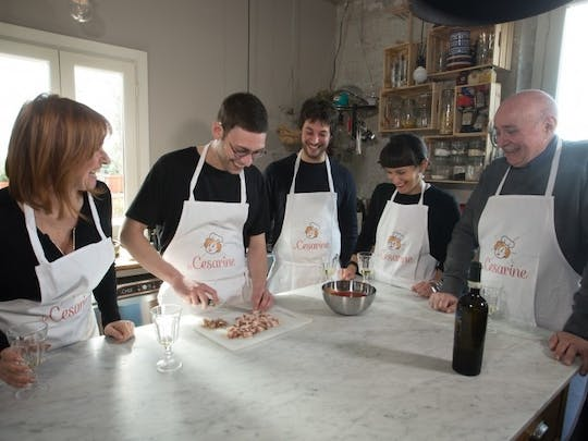 Market tour, cooking class and lunch or dinner at a Cesarina's home in Rome