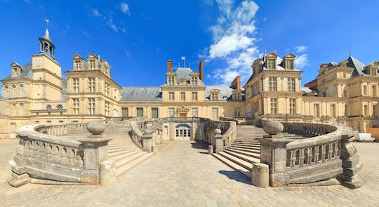 Fontainebleau with audioguide and transport from Paris