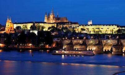 Ver la ciudad,Ver la ciudad,Ver la ciudad,Actividades,Gastronomía,Noche,Visitas en barco o acuáticas,Actividades acuáticas,Tours nocturnos,Tours nocturnos,Crucero por el río Moldova,Con cena incluida