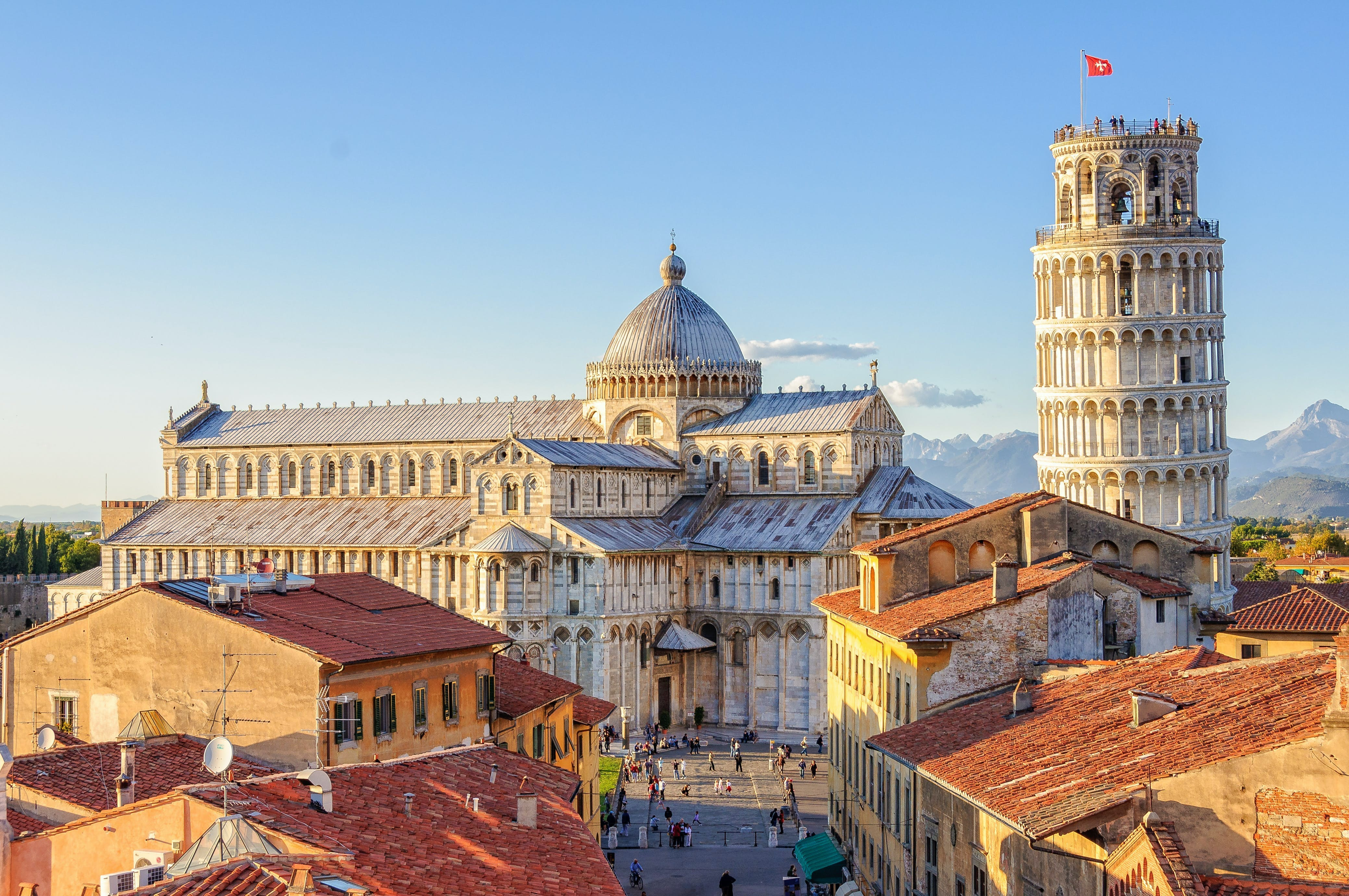 Square of Miracles guided tour with Pisa Leaning Tower skip-the-line tickets (option)