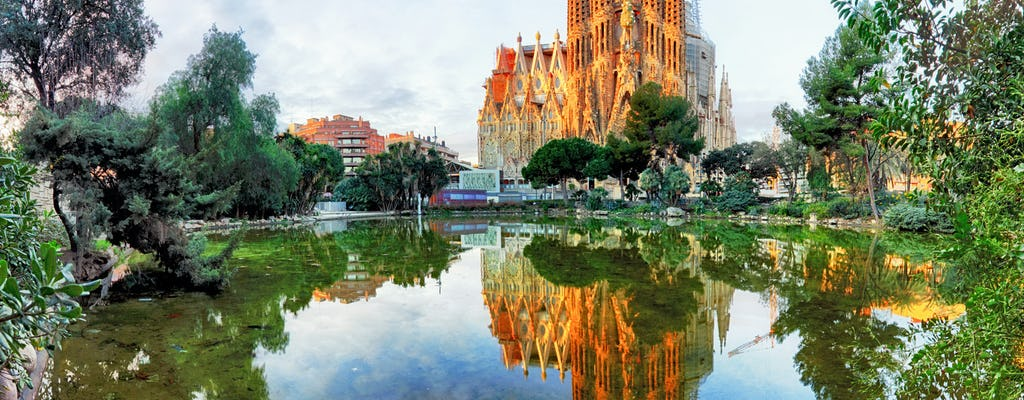 Tour do melhor da costa de Barcelona com skip-the-line  para  Sagrada Familia