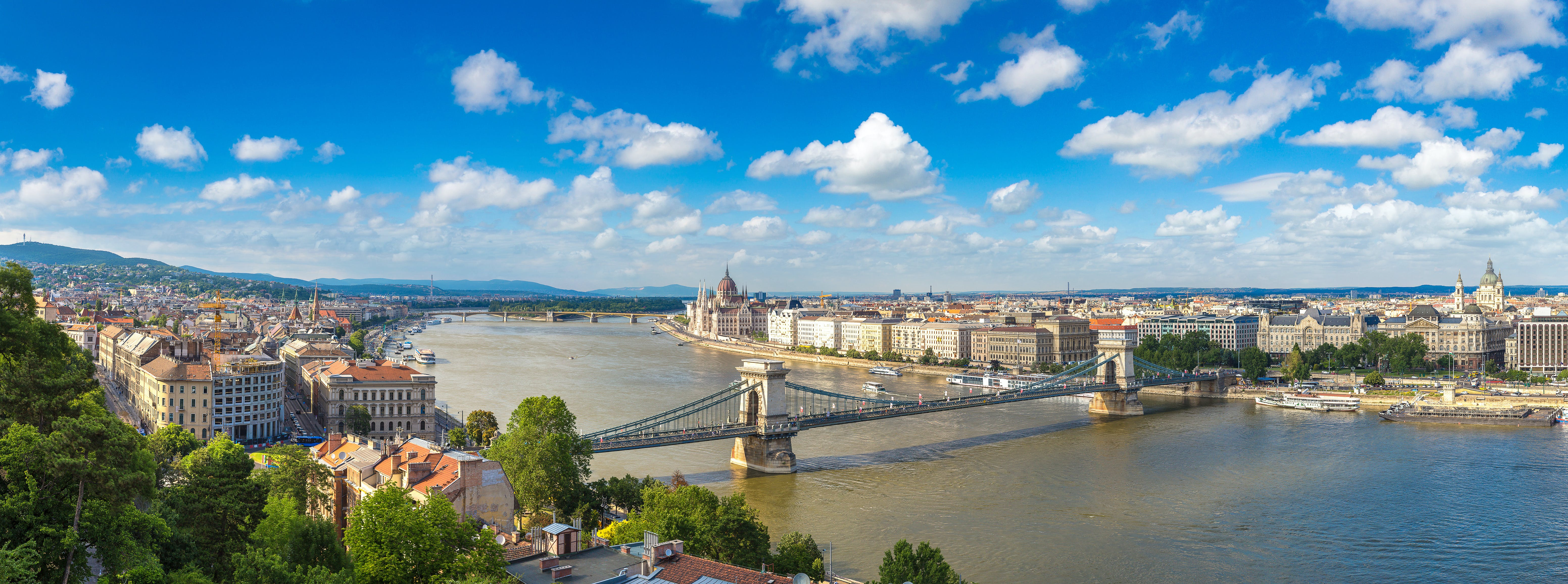 Budapest dinner cruise and Szechenyi thermal baths combo tour