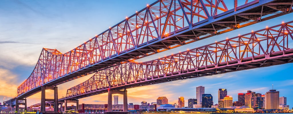 Riverboat jazz and dinner cruise on the Mississippi