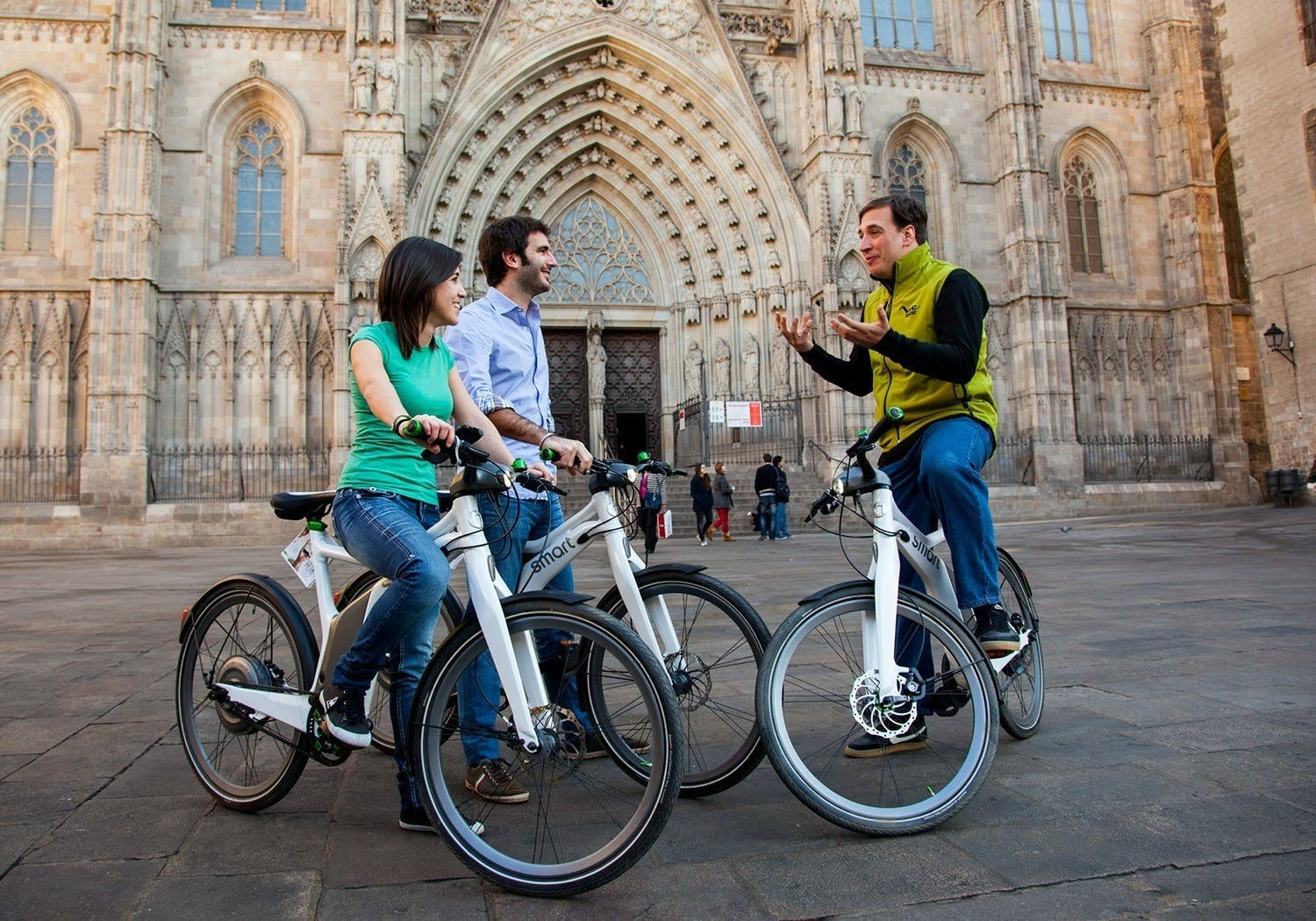 Barcelona e-bike highlights tour with fast-track tickets to the Sagrada Familia