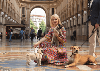 Street style photoshoot with your pet
