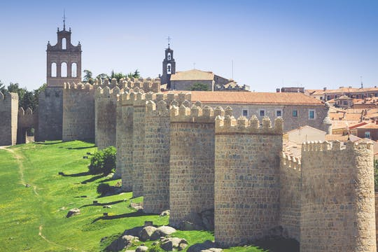Ávila, Segovia and El Escorial guided excursion from Madrid