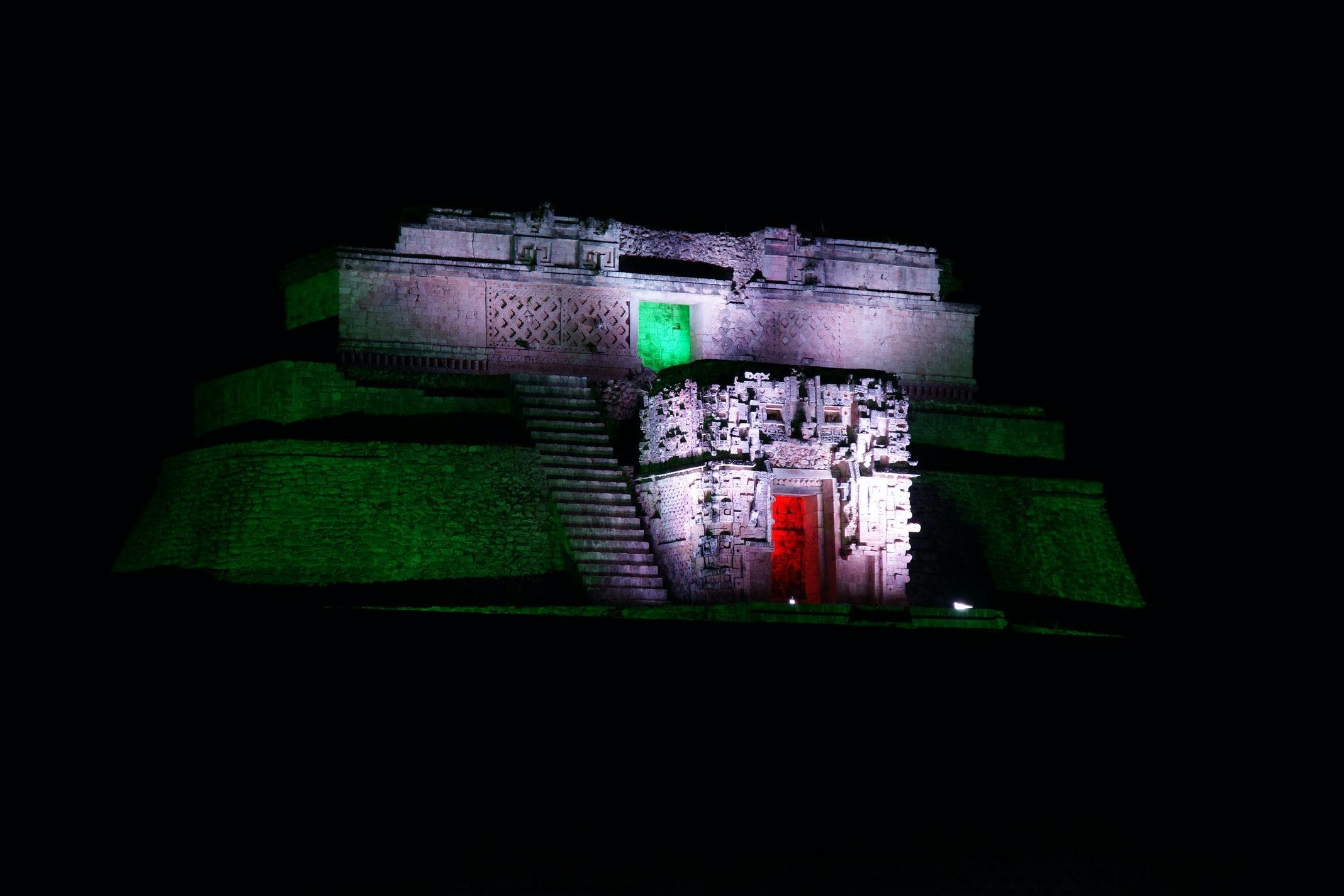 Uxmal tour and evening sound and light show
