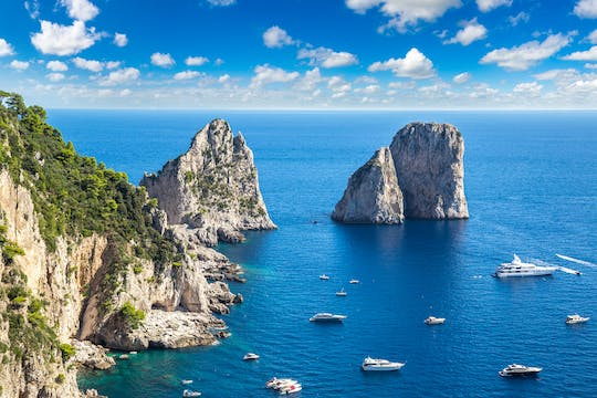 Cruise around Capri private boat excursion