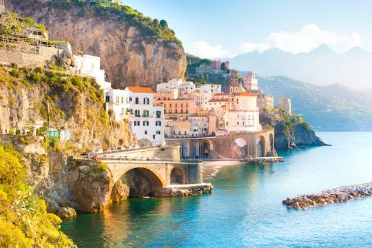 Odkryj wybrzeże Amalfi na prywatnej wycieczce łodzią z Amalfi