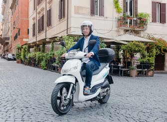 Rent a scooter 125cc and enjoy Milan