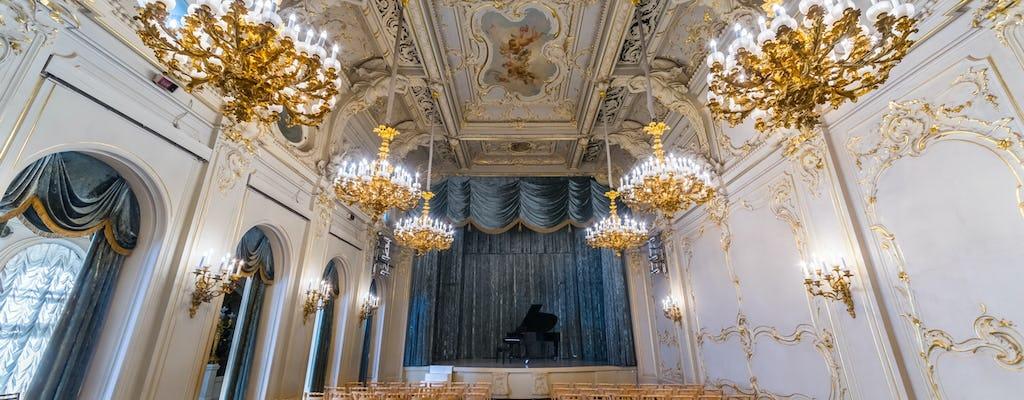 Russisches Konzert klassischer Musik in St. Petersburg