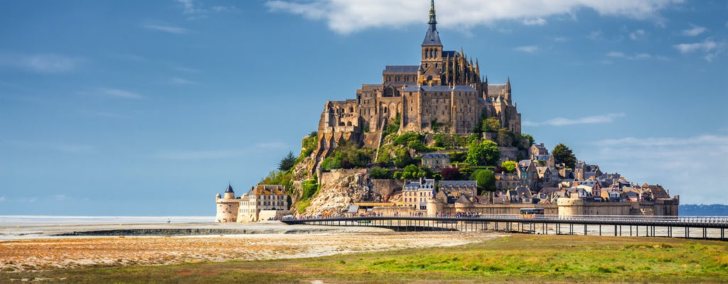 2-day excursion to Mont Saint-Michel, Loire Valley Chateaux and Wine Tasting from Paris