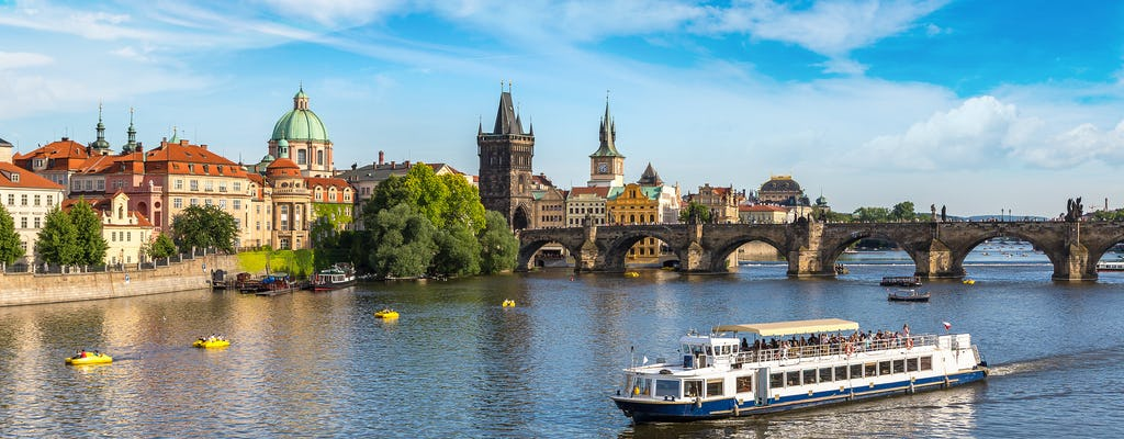 Best of Prague by foot and bus with river cruise and Prague Castle