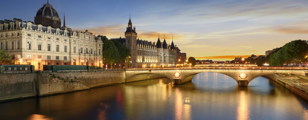 Big Bus 1-day pass and dinner cruise Paris Seine at 9.15pm
