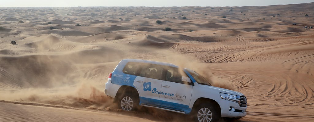 Safari no deserto de Abu Dhabi com churrasco, passeio de camelo e sandboard