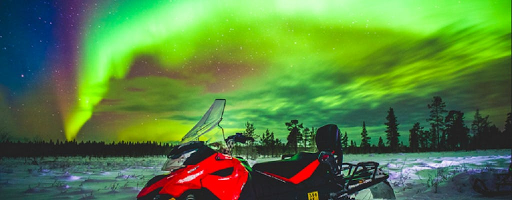 Snowmobile photography trip with the aurora