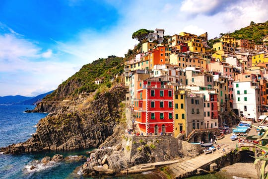 VIP small-group Cinque Terre discovery and vineyard escape with seafood lunch