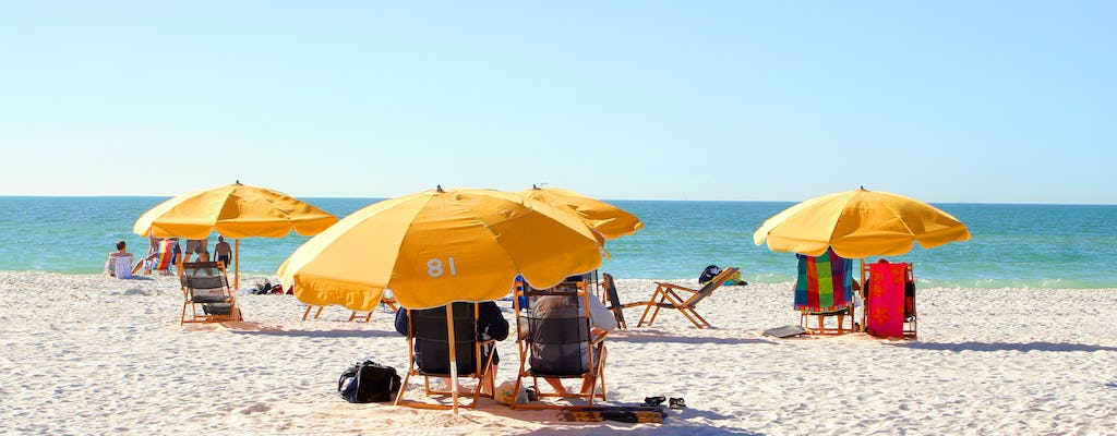 Clearwater Beach: roundtrip transportation from Orlando with lunch