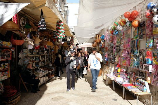 Shopping and walking tour in Bari