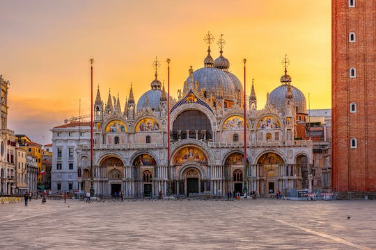 Venice walking tour with Doge's Palace and Golden basilica