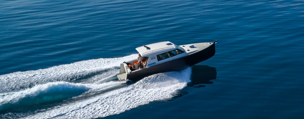 Tour privato in barca della Grotta Azzurra e delle 5 isole da Spalato