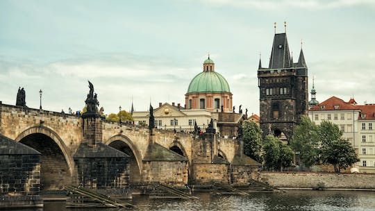 Prague 6-Hour tour with river boat cruise and lunch