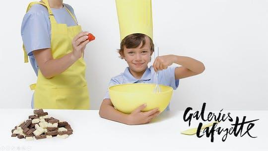 Французский хлебобулочные macaron с детьми