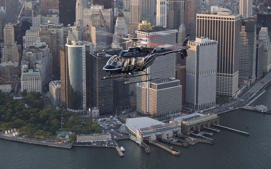The Deluxe Tour helicopter flight over NYC