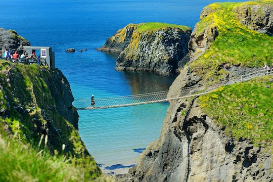 Giant's Causeway and Rope Bridge tour from Dublin