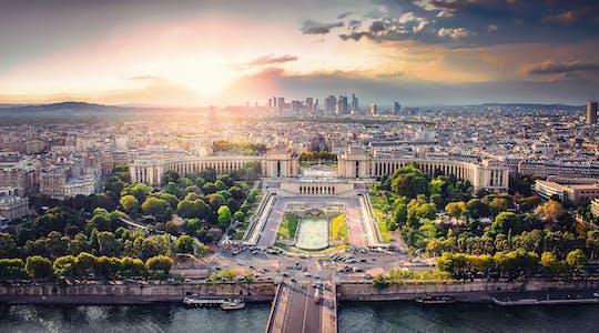 Biglietti salta fila per la Torre Eiffel con audioguida