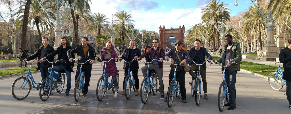 Bike tour from Gothic to Modernism