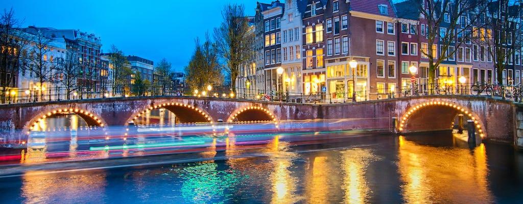 Paseo en barco por Ámsterdam con hamburguesas y perritos calientes