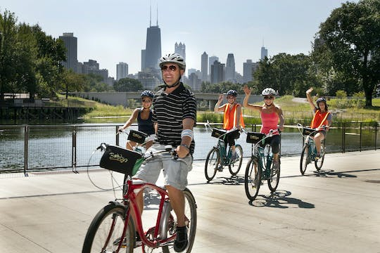 Chicago lakefront neighbourhood bike tour