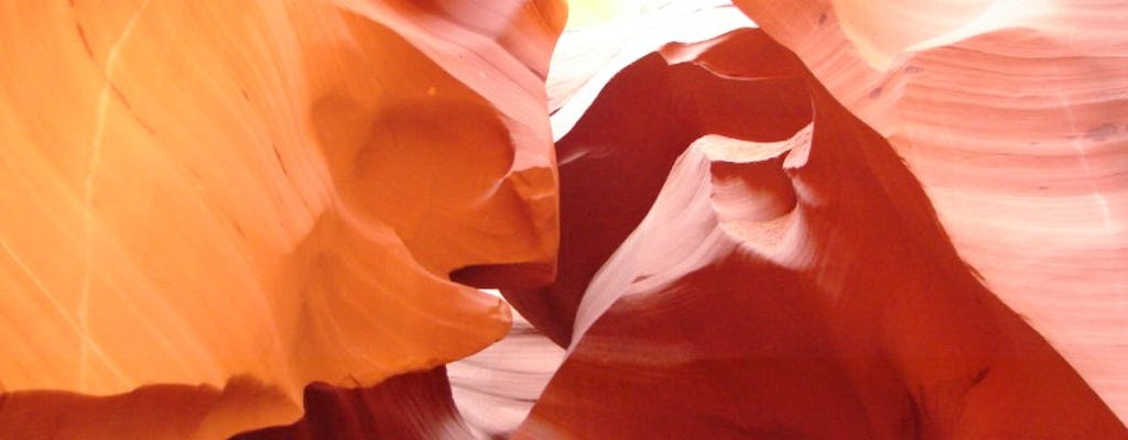 Antelope Canyon and Horseshoe Bend day adventure