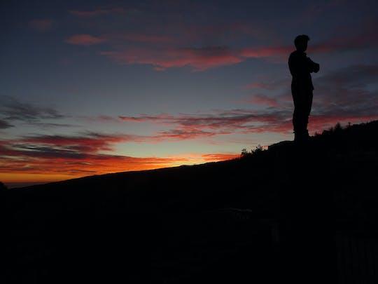 Wycieczka o zachodzie słońca na Etnie