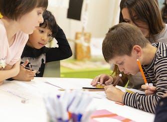 Percorsi creativi in Pirelli HangarBicocca: Tracce che raccontano (8-10 anni)