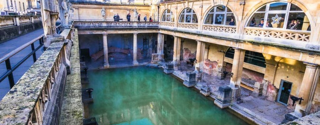 Small Group Tour with Entries to Windsor Castle, Stonehenge and Leisure Time in Bath