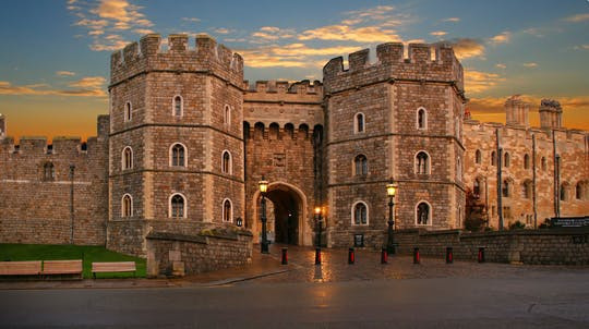 Small Group Tour to Windsor Castle and Stonehenge with entries and 2-Course Lunch