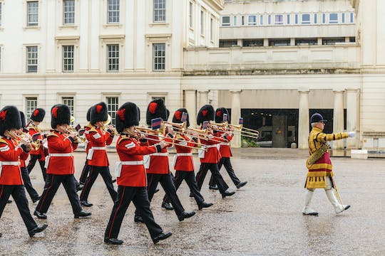 March with the Guards: Changing of the Guard ceremonies and Buckingham Palace