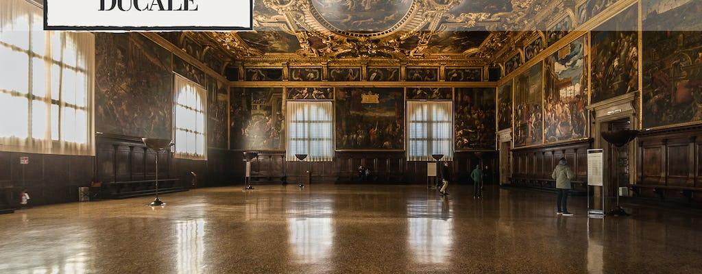 Affascinante tour in gondola e biglietti salta fila per Palazzo Ducale con guida