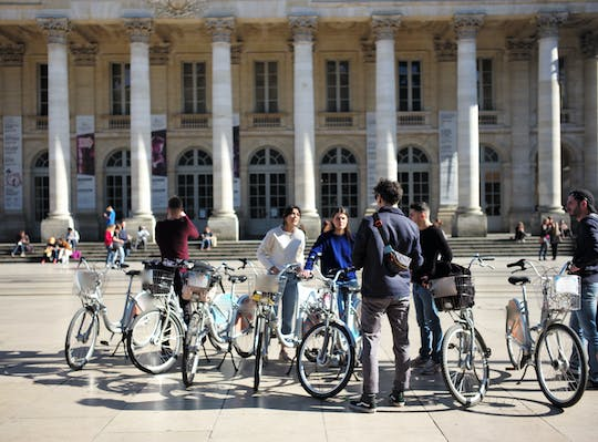 "Bike tour in Bordeaux, ""Burdigala through time"""