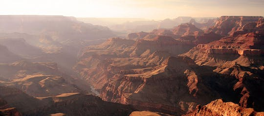 Grand Discovery: hummer tour bij zonsondergang in de Grand Canyon