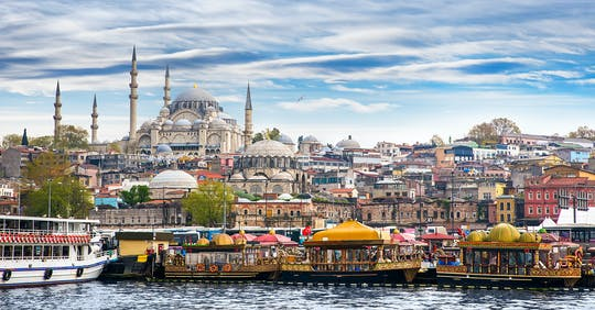 Bosphorus Cruise und Istanbul Egyptian Bazaar Tour