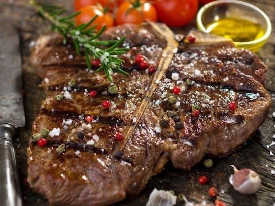 Meat and steak cooking course in Schwetzingen