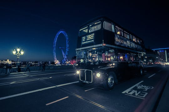 London ghost bus tour y comedia de terror show