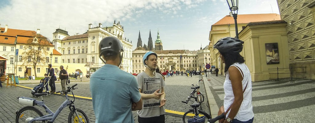 Prague sightseeing tour by bike